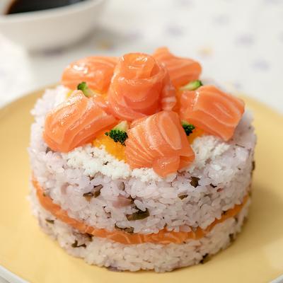 見た目も華やか ノルウェーサーモンのカラフル押し寿司