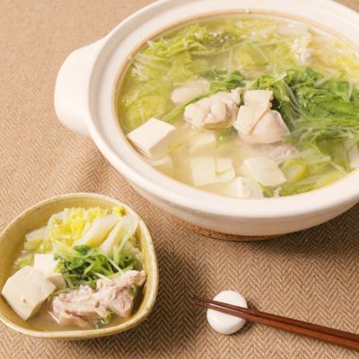 塩麹が決め手のシンプル鶏鍋