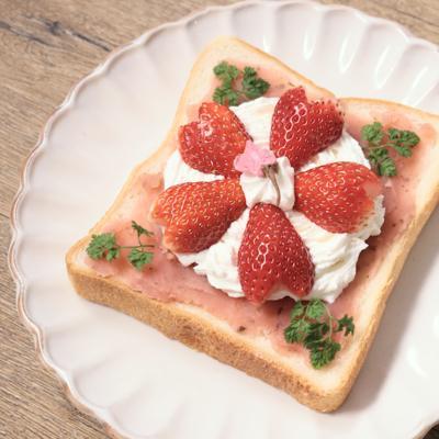 桜のデコレーション食パン