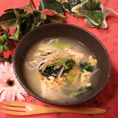 もやしと高野豆腐のピリ辛スープ