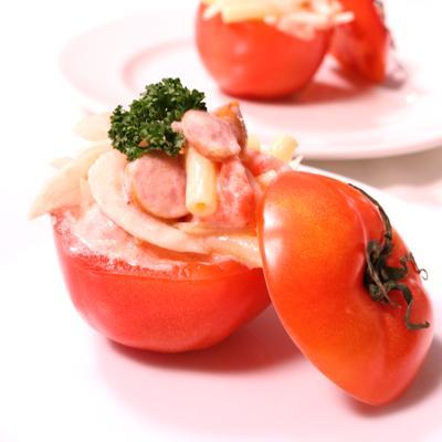 丸ごとトマトのぜいたくマカロニサラダ