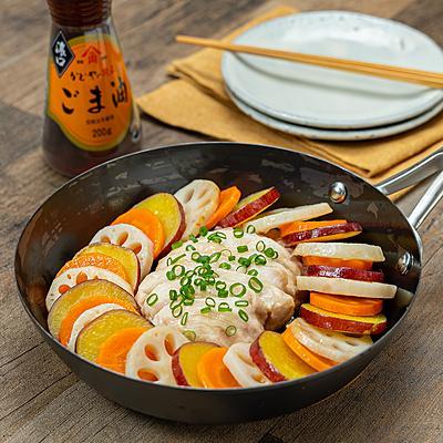 ごま油で作る!鶏むね肉と根菜のオイル蒸し