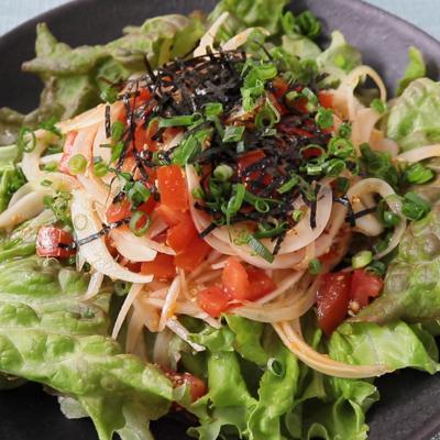 簡単 新玉ねぎとトマトのサラダ