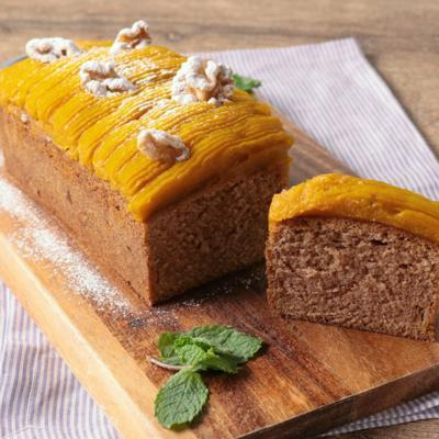 かぼちゃのクリームとメープルシナモンのパウンドケーキ