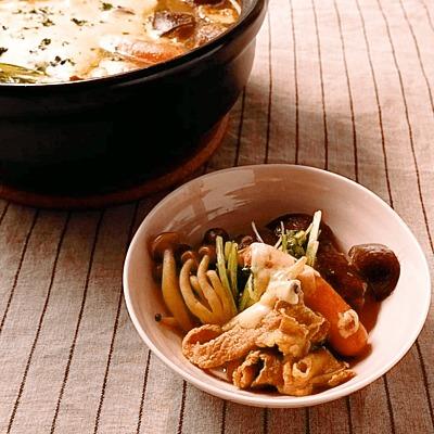 野菜たっぷりチーズカレー鍋