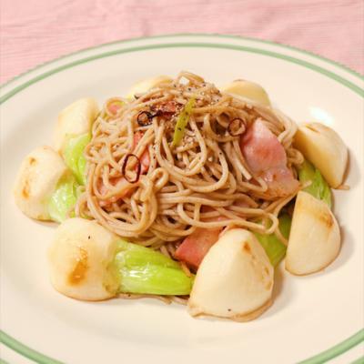 お蕎麦で食べる かぶのペペロンチーノ
