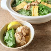 鶏肉で作る たっぷり水菜のエスニックはりはり鍋