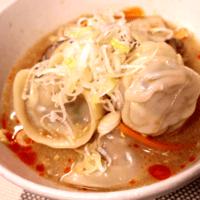 丸くてかわいい酸辣湯風スープ餃子