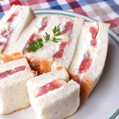 イチジクのフレッシュサンドイッチ