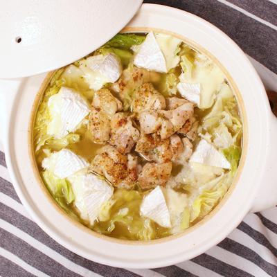 食べて幸せ!キャベツとチーズの洋風チキン鍋