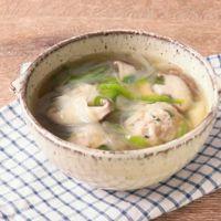 鶏団子と春雨の中華風スープ