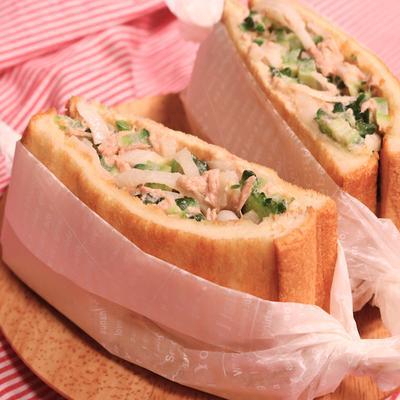わさびマヨゴーヤのサンドイッチ