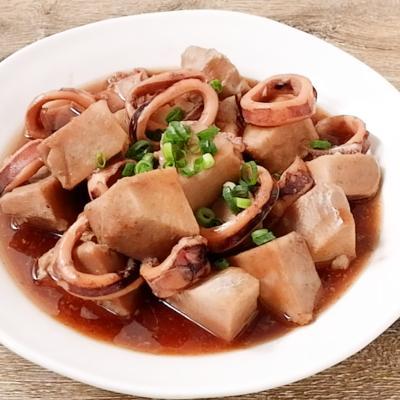 海老芋とイカの煮物