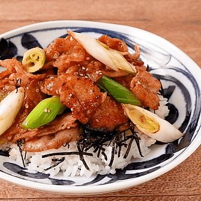 焼肉のタレで簡単 豚バラねぎ丼