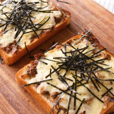 サンマ蒲焼き缶で和風チーズトースト