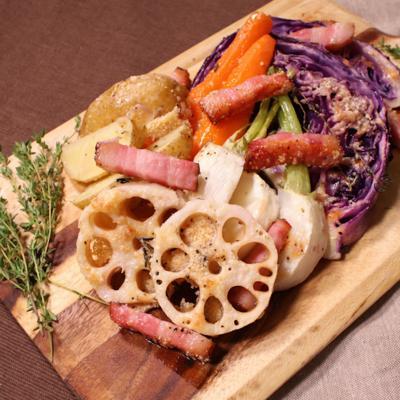 ワインによく合うトレビスと根野菜のオーブン焼き