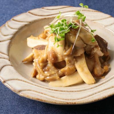 鶏むね肉とトロッときのこの味噌炒め