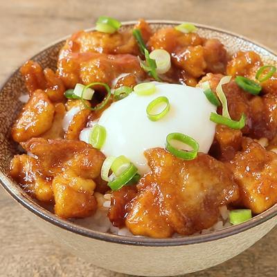 とろーり卵の韓国風チキン丼