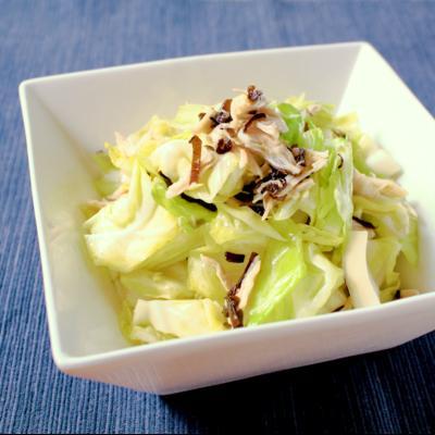 ごま油香る 鶏ささみとキャベツの簡単サラダ