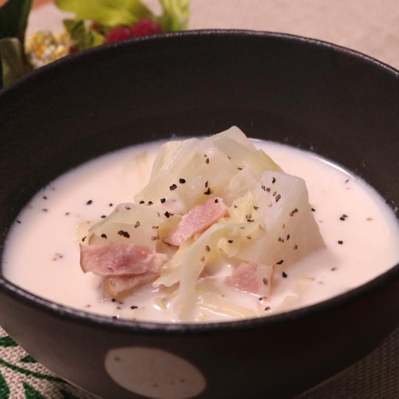 寒い日はこれに決まり!キャベツと大根のホワイトみそスープ