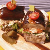 野菜たっぷり チキンのカラフルナスバーガー