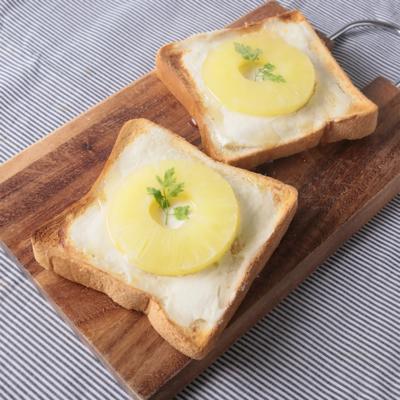 パイナップルとクリームチーズのハニートースト