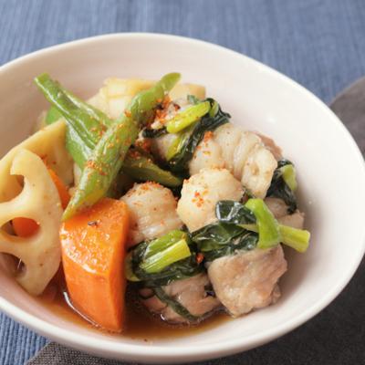 こってり くるくる豚バラ肉と根菜の煮物