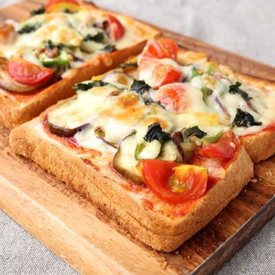 スライス夏野菜のピザトースト