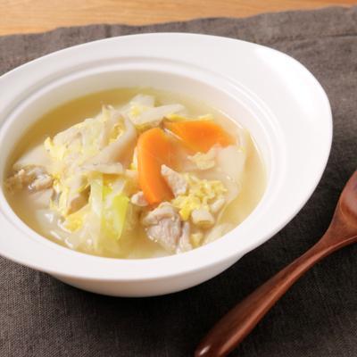 たっぷり長ねぎと鶏肉のスープ