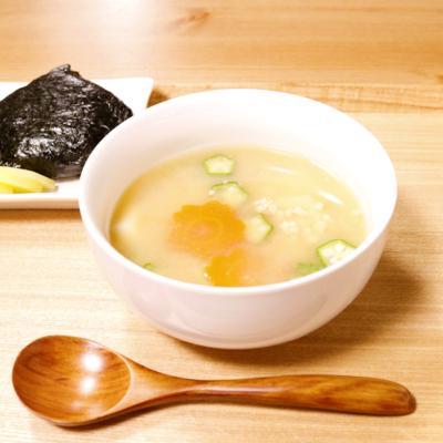 ねばねば食材で粘り強く 味噌スープ