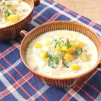 さつまいもとごぼうの和風豆乳スープ
