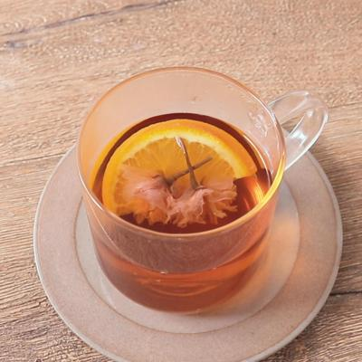 桜が浮かぶ オレンジ桜紅茶