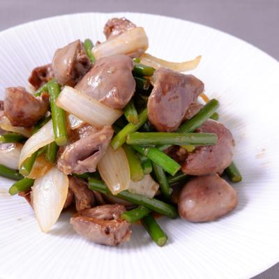 鶏ハツとニンニクの芽の甘辛炒め