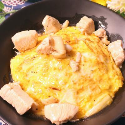 うまーい!鶏肉とネギの天津飯
