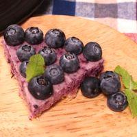 贅沢なブルーベリーアイスケーキ