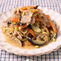 豚バラ肉と豆もやしの柚子胡椒炒め