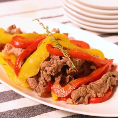 タイムごま塩で食べる 牛肉とパプリカのソテー
