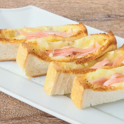 ハムチーズのホットスティックポケットサンド