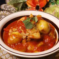 ごろごろ里芋と鶏肉のトマト煮込み