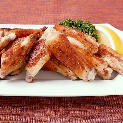 カリッとジューシー 鶏手羽中の塩焼き