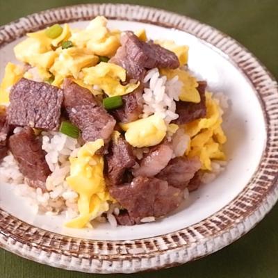 カルビとふわふわ卵の塩だれチャーハン