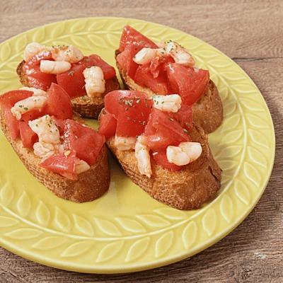 トマトとむきエビのブルスケッタ