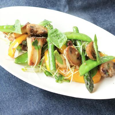 簡単節約 彩り野菜でペペロンチーノ風