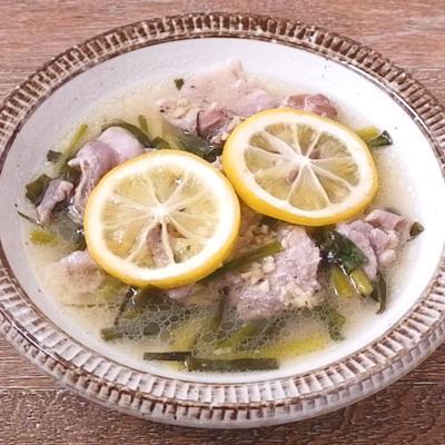 豚バラ肉とねぎのレモン酒蒸し