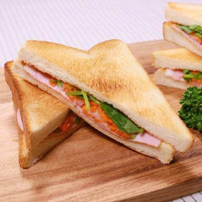 食パンで作る!バインミー風トーストサンドイッチ