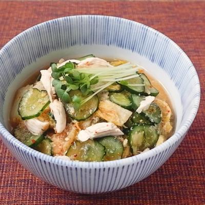 鶏ささみとキムチのピリ辛冷や汁
