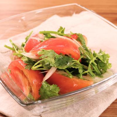 さっぱり トマトとパクチーのサラダ