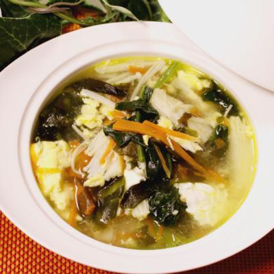 お酢でさっぱり!具だくさん中華スープ