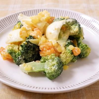 卵 ブロッコリー サラダ 茹で