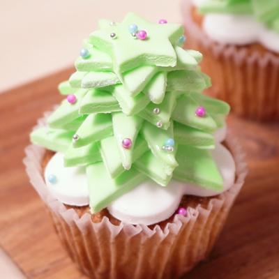 マシュマロフォンダントでクリスマスカップケーキ